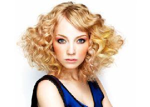 Как правильно ухаживать за вьющимися волосами?